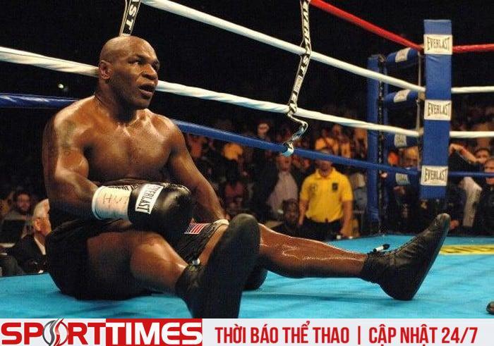 Tyson nhận thất bại cay đắng ở trận đấu cuối cùng của sự nghiệp. Ảnh: Getty Images.