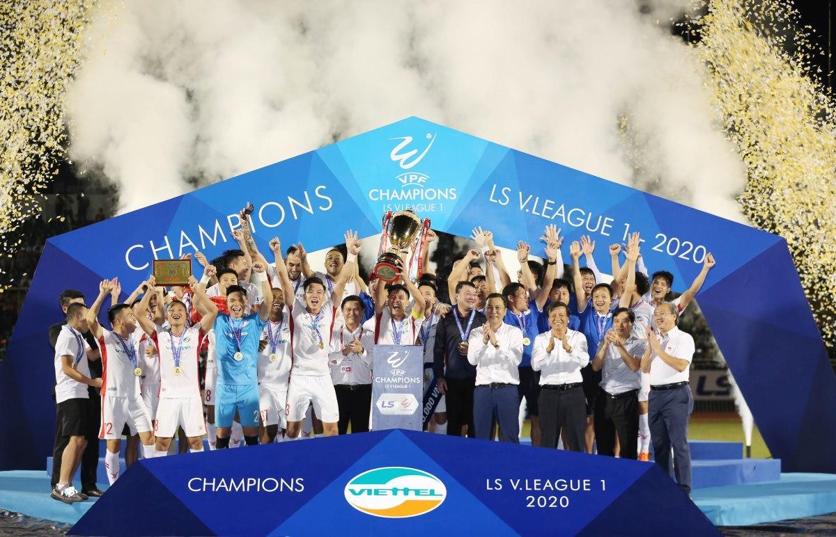 Trọng Hoàng vô địch V-League với 3 câu lạc bộ khác nhau