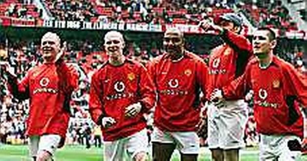Manchester United: When prankster blagged his way into team photo before Bayern Munich clash - Bóng Đá