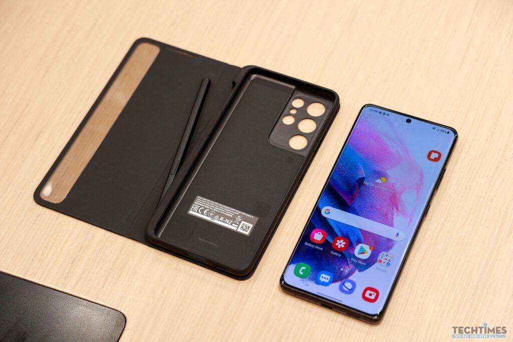 Trên tay bộ ba Galaxy S21, Galaxy S21+ và Galaxy S21 Ultra 5G
