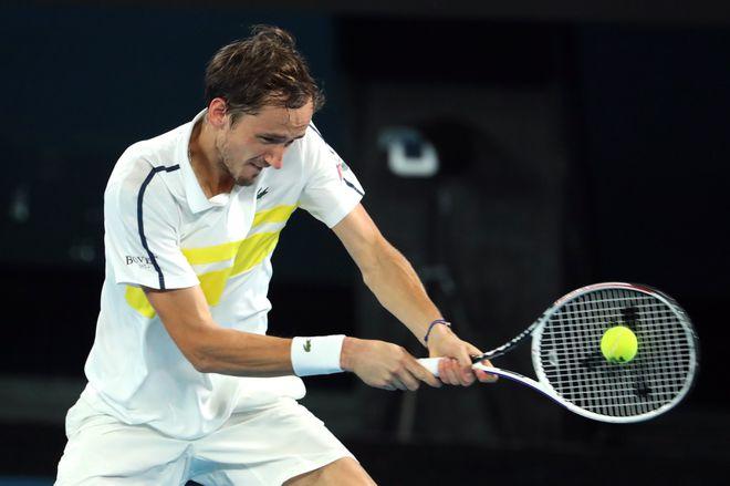 Kết quả giải quần vợt Úc mở rộng: Medvedev đánh bại Tsitsipas để vào chung kết - ảnh 2