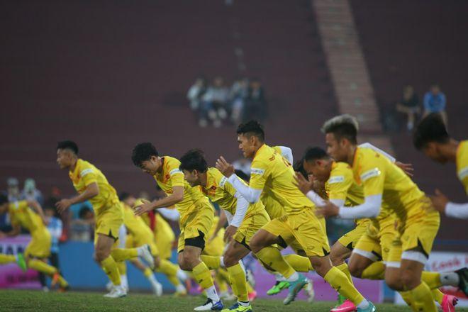 Tuyển Việt Nam và hiệu ứng domino sau khi vòng loại World Cup đá tập trung - ảnh 2