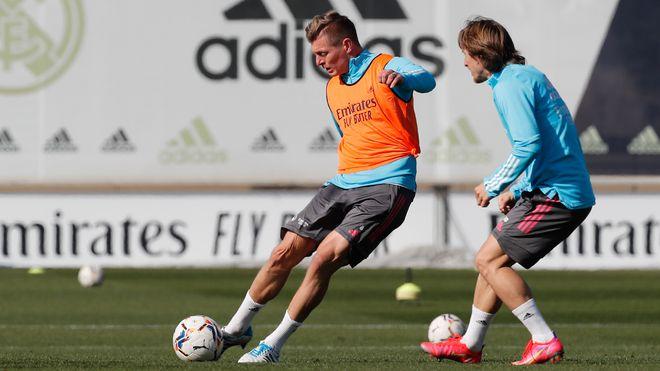 Kỳ lạ: Real Madrid chinh phục La Liga và châu Âu chỉ với 1 tiền đạo - ảnh 3