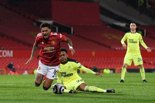 """Kết quả Ngoại hạng Anh, M.U 3-1 Newcastle: """"Quỷ đỏ"""" chưa bỏ cuộc đua vô địch - ảnh 1"""