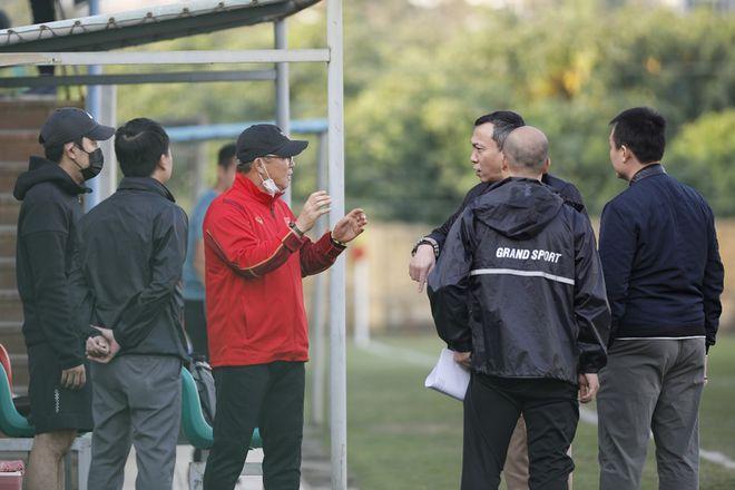 Nghe lời khuyên chí tình của vợ, ông Park đã ký hợp đồng với VFF như thế nào? - ảnh 2