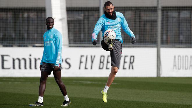 Giữa khủng hoảng chấn thương, Real Madrid nhận tin vui từ.. Atletico Madrid  - ảnh 1