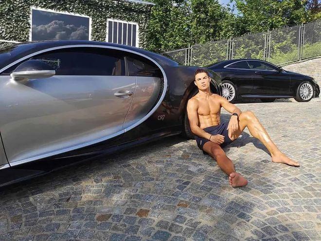 Cristiano Ronaldo chuẩn bị khoe chiếc xe cực hiếm có giá hơn 236 tỉ đồng - ảnh 1