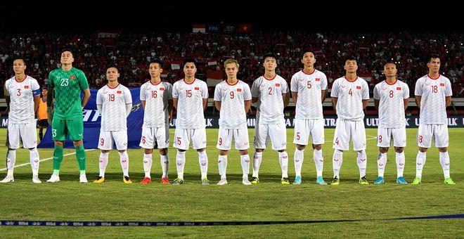 Vòng loại World Cup: Tại sao Trọng Hoàng, Đình Trọng, Văn Hậu vắng mặt trận tái đấu Indonesia? - ảnh 1
