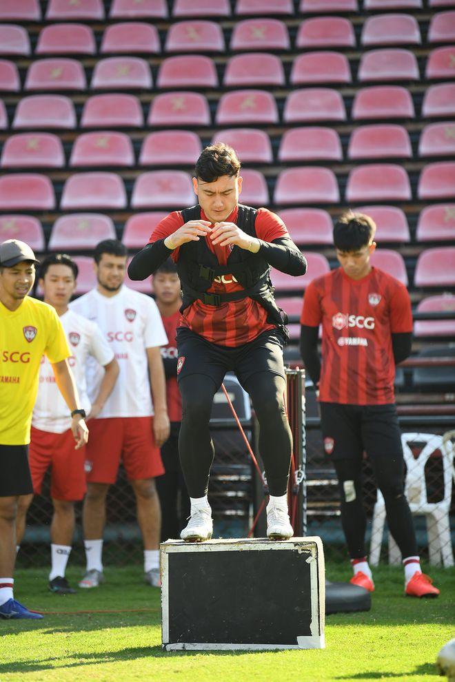 Tên thủ môn Đặng Văn Lâm xuất hiện ở phòng thay đồ CLB Cerezo Osaka - ảnh 3
