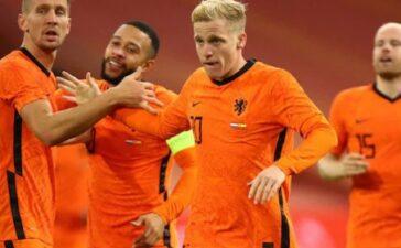 """Đội hình ĐT Hà Lan đấu Latvia: """"Hàng hớ"""" Man Utd xuất trận?"""