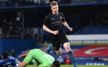 Kỳ binh náo loạn phá thế phong bế, Man City loại bỏ Everton dệt tiếp mộng ăn 4