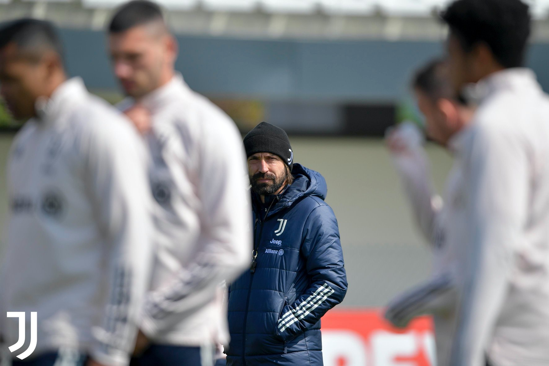 Ronaldo bất ngờ mất tích trên sân tập Juventus - Bóng Đá