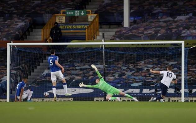 Keane biếu Kane 2 bàn thắnga - Bóng Đá