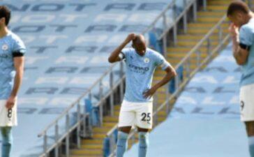 Etihad sụp đổ, Man City ngã quỵ trước 10 người Leeds quá nhanh quá nguy hiểm