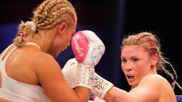 gương mặt cực ám ảnh của nữ võ sĩ trên sàn đấu quyền anh