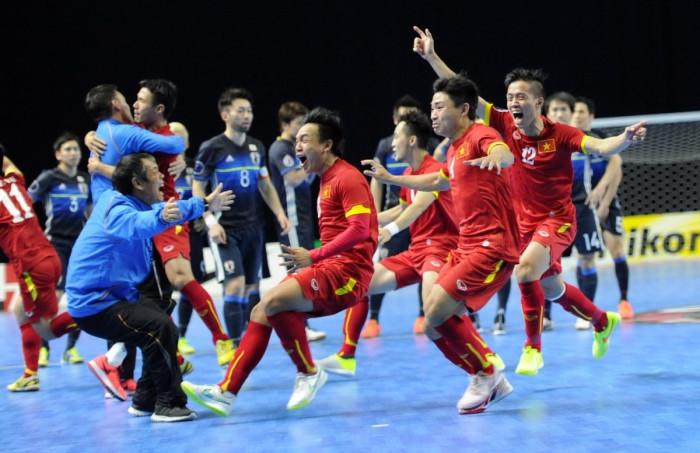 lá thăm may mắn giúp tuyển việt nam rộng cửa giành vé dự world cup