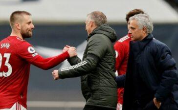Thua M.U, Mourinho đã tự tay vả mặt khi còn ở Old Trafford