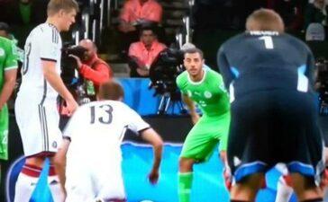 Trước khi Đức gặp Anh, người hâm mộ đội tuyển Đức nhắc lại pha đá phạt 'tệ chưa từng thấy'