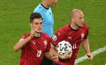 CH Czech 1-2 Đan Mạch: Schick cân bằng thành tích của Ronaldo