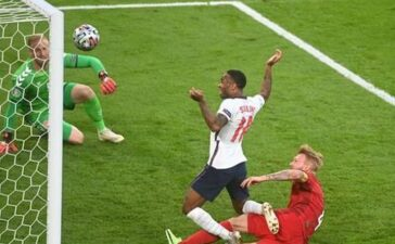 Thêm 1 bàn phản lưới nhà, tuyển Anh hưởng lợi