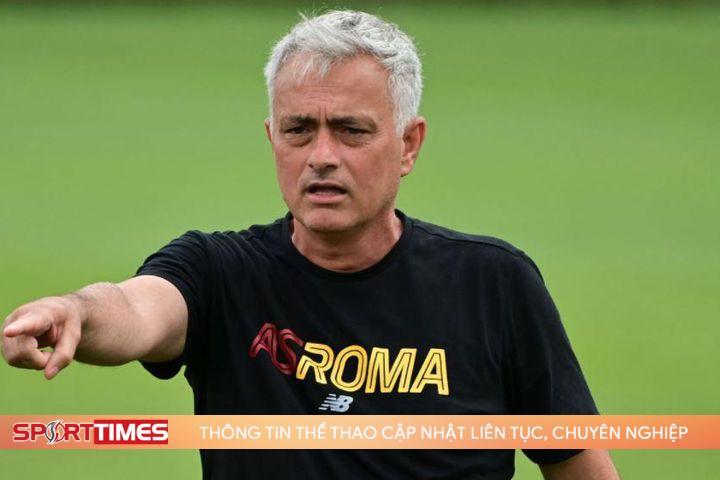 HLV Mourinho ra mắt Roma bằng trận thắng 10-0