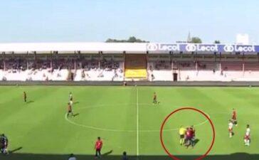 Cầu thủ của nhà đương kim vô địch Ligue 1 đánh nhau ngay trên sân