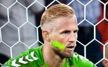 UEFA sẽ xử lý vụ Schmeichel bị chiếu laser