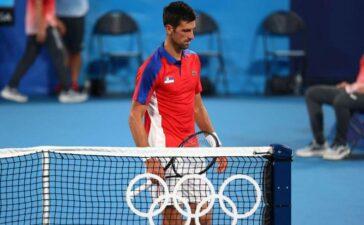 Olympic Tokyo: Hạt giống số một Novak Djokovic ra về trắng tay