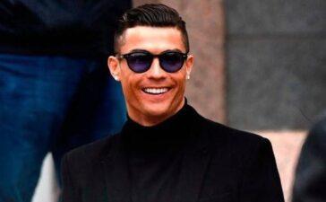 Ronaldo bực tức với siêu cò Mendes