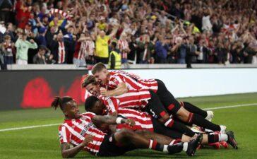 Arsenal thua tan nát Brentford trong trận ra quân Ngoại hạng Anh