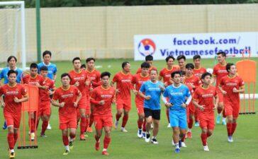 Việt Nam đấu World Cup, Malaysia 'thay máu' chuẩn bị AFF Cup