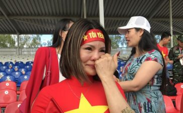 Nữ khán giả bật khóc cổ vũ đội xe tăng Việt Nam thi đấu tại Army Games-2021