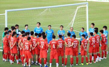 Đình Trọng, Minh Vương, Thành Chung bị đau, ông Park chỉ loại 2 cầu thủ