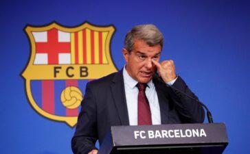 Chủ tịch Laporta: 'Messi không thể lớn hơn CLB'