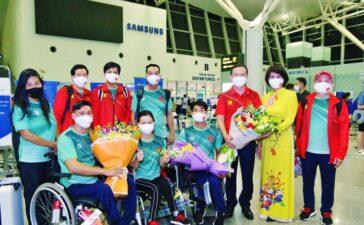 Hình ảnh đoàn thể thao người khuyết tật Việt Nam lên đường tham dự Paralympic Tokyo 2020