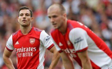 Arsenal phải thay HLV nếu không muốn rớt hạng