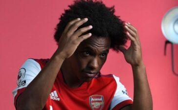 Arsenal chấm dứt hợp đồng với Willian