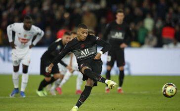 Mbappe vừa ghi bàn vừa kiến tạo, PSG thắng ngược Angers trong ngày vắng Messi
