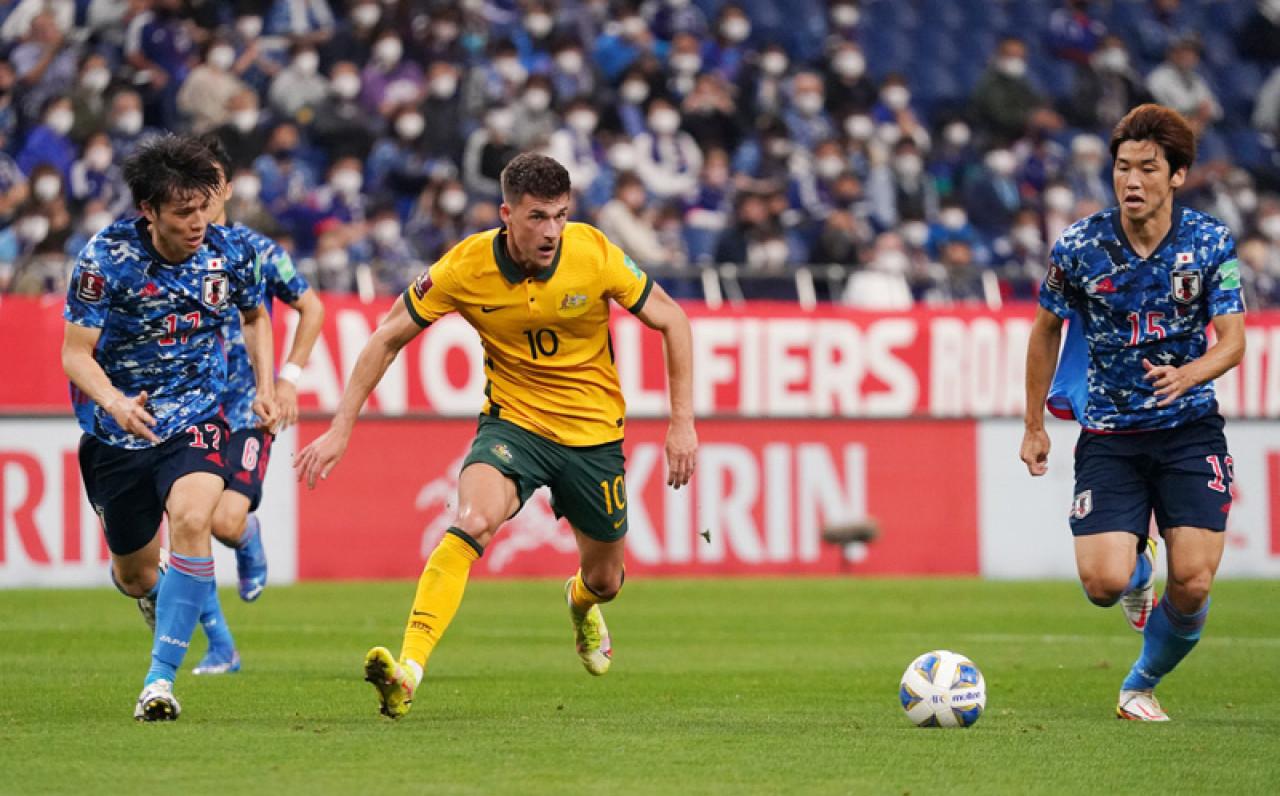 kết quả nhật bản vs australia: căng như dây đàn, vỡ òa bàn phản lưới nhà